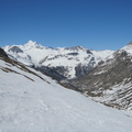 Montée vers le col Pers, vue sur Val d'Isère||<img src=./_datas/p/r/y/pry1ngdyfn/i/uploads/p/r/y/pry1ngdyfn//2015/04/21/20150421205843-20b5e8db-th.jpg>